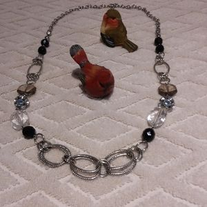 Metal and beaded mid length necklace